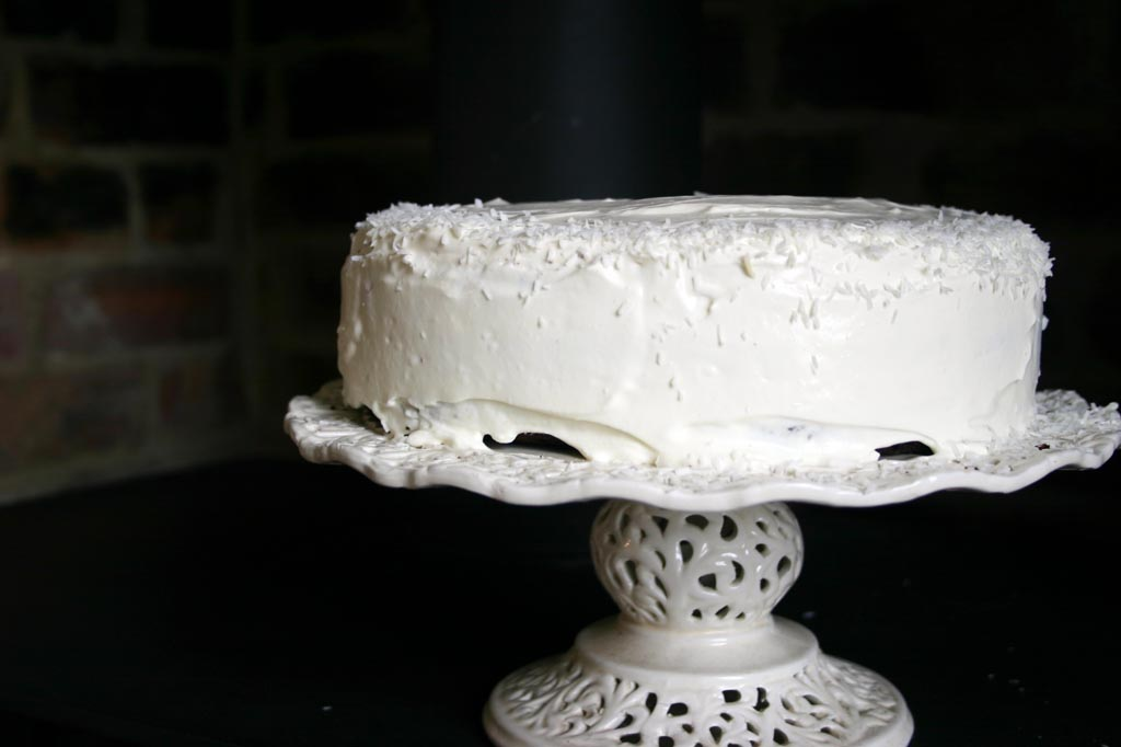 Images Of Birthday Cakes With Coconut Coating On Outside