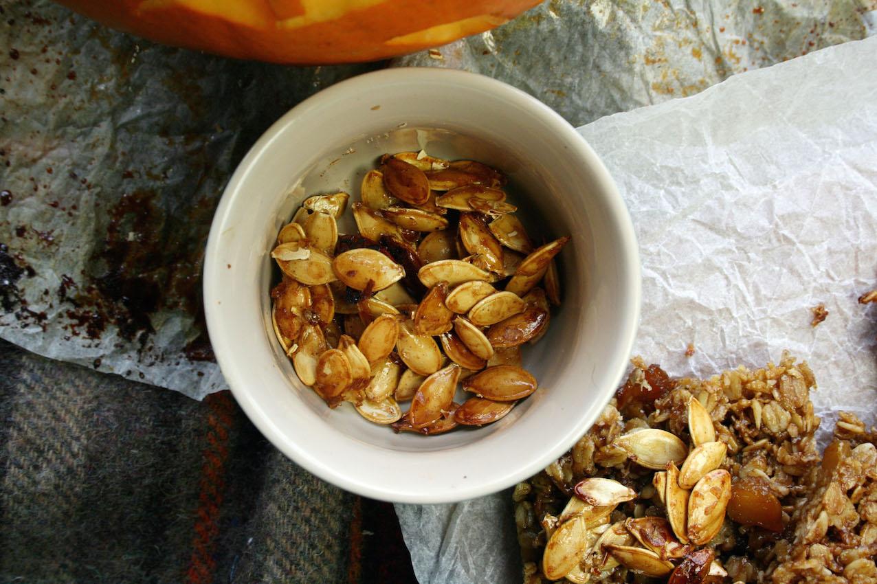 healthy maple syrup flapjacks