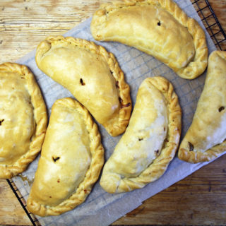 veggie sausage 'Cornish' pasty