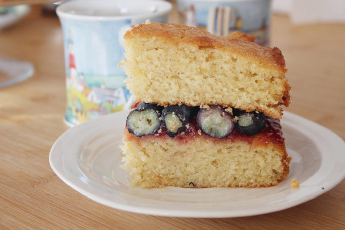 blueberry victoria sponge